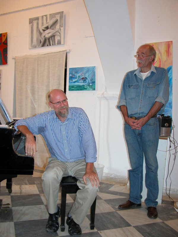 Ed Emery introduces Paul Astin at the 2008 Hydra Rebetiko Conference.